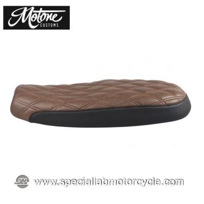 Motone Custom Sella Bonneville Dual Seat Diamond Stitch Black/Brown Triumph