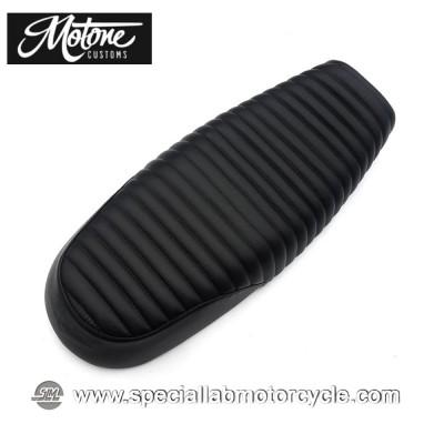 Motone Custom Sella Bonneville Dual Seat Tuck and Roll Triumph